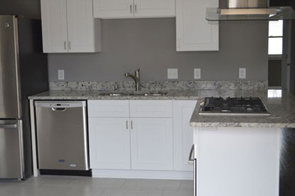 Polar White Cabinets Are Suitable For All Kinds Of Trim, Flooring, Wall  Color, Or Backsplash, Thereby Giving Numerous Possibilities To Homeowners  With Any ...